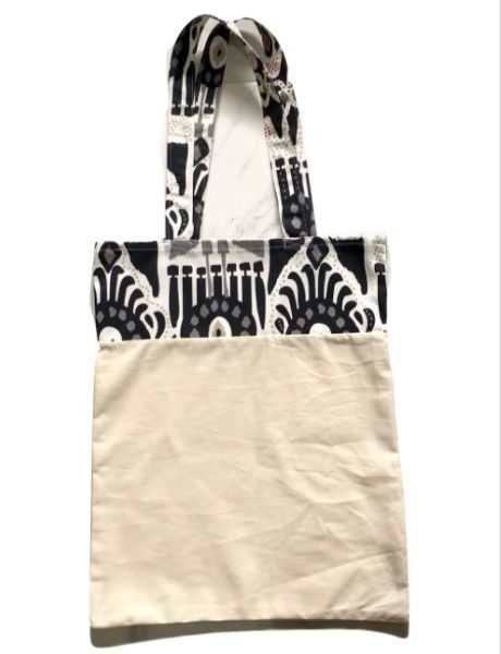 Bolsa para zafú con asas motivos de colores gris y negro