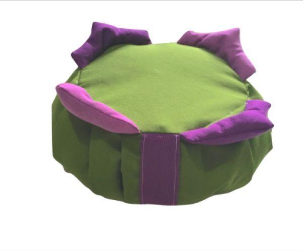 Zafú para niños verde con 4 picos violetas