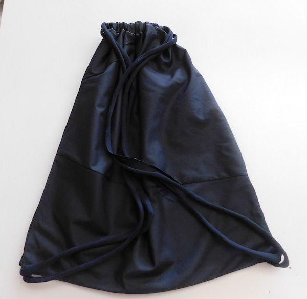 Mochila para yoga de un solo color negro
