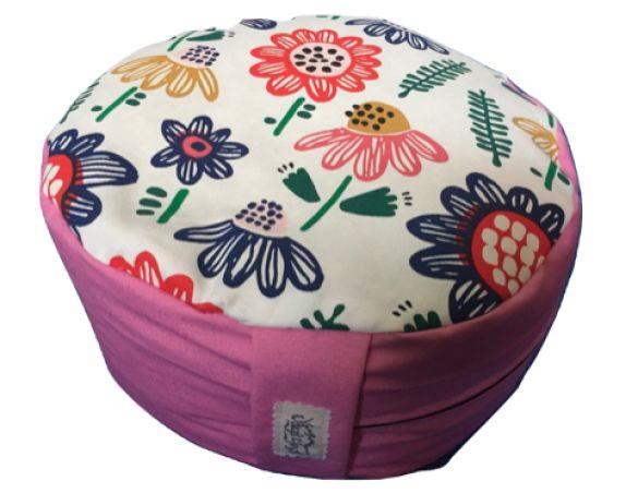 Zafu redondo rosa con flores de colores